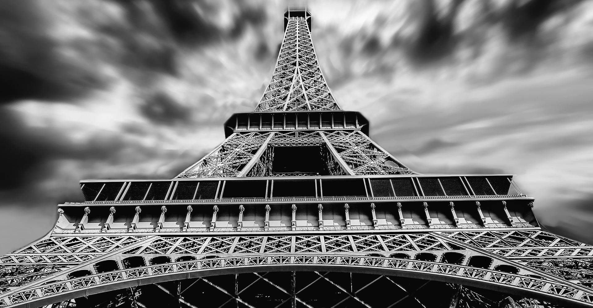 eiffel-tower-1784212_1920